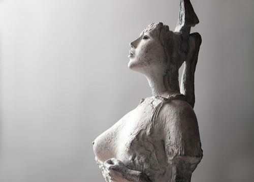 《王妃像 No.1》(部分)1984年 松本市美術館蔵
